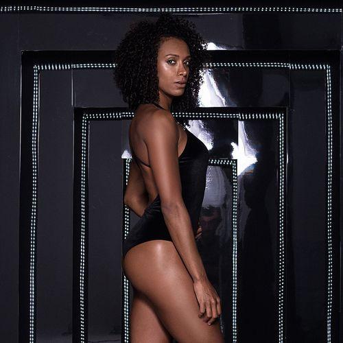 Body-Carmel-Black-Velvet-Labellamafia
