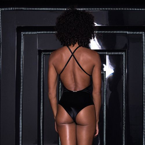 Body-Carmel-Black-Velvet-Labellamafia