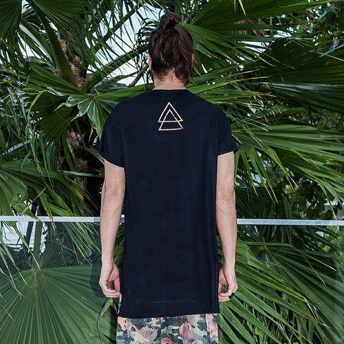 Camiseta-Stronger