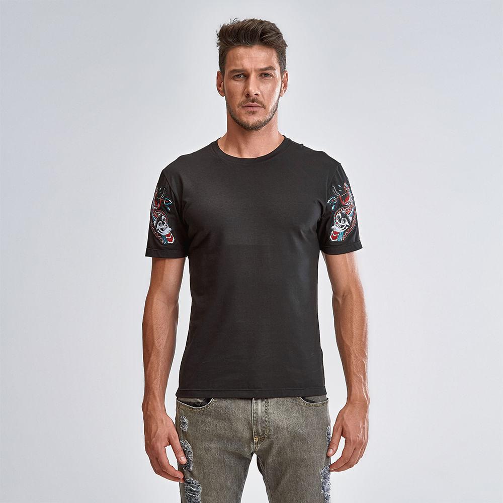 Camiseta-Night-Snake
