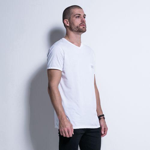 Camiseta-Exencial-We-Don-t-Play-Basic-La-Mafia