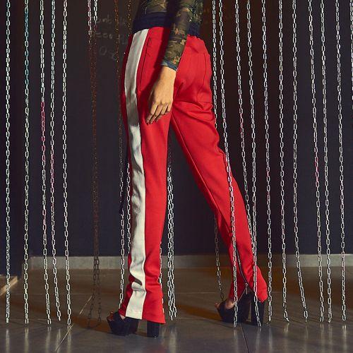 Track-Pants-Labellamafia-Red-Lipstick