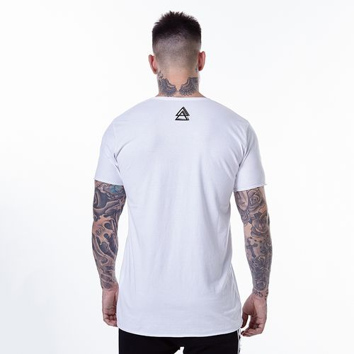 Camiseta-La-Mafia-Graphic-Tees-Details---P